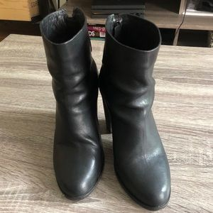 Rag and Bone Black Leather Ankle Boots  size 38